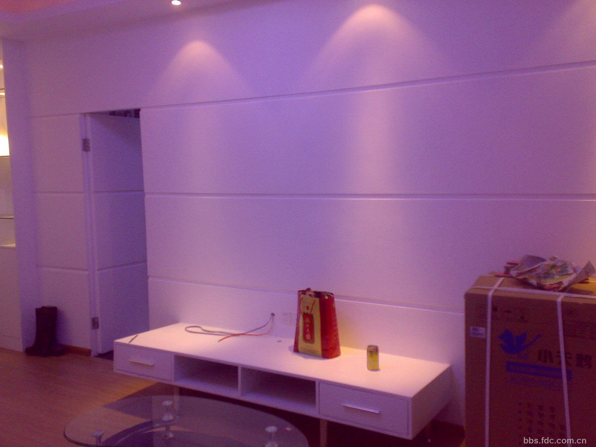 版主: *空缺中*   客廳天花吊頂 此主題相關圖片 餐廳到廚房的隱形門