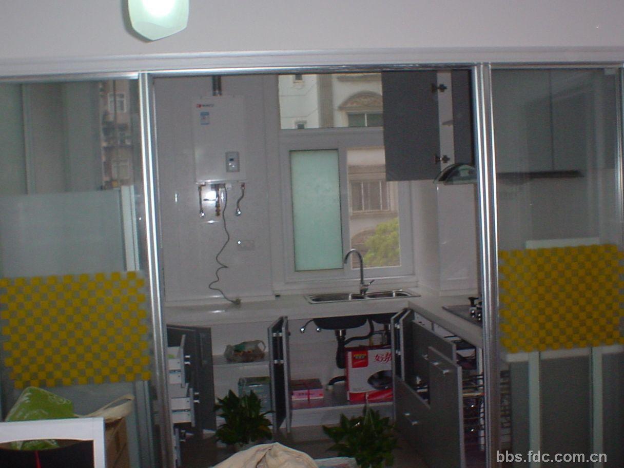 请教:如何选购厨房用的吊滑门外加吊顶经用牛皮纸封