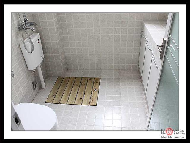 防腐木淋浴地台