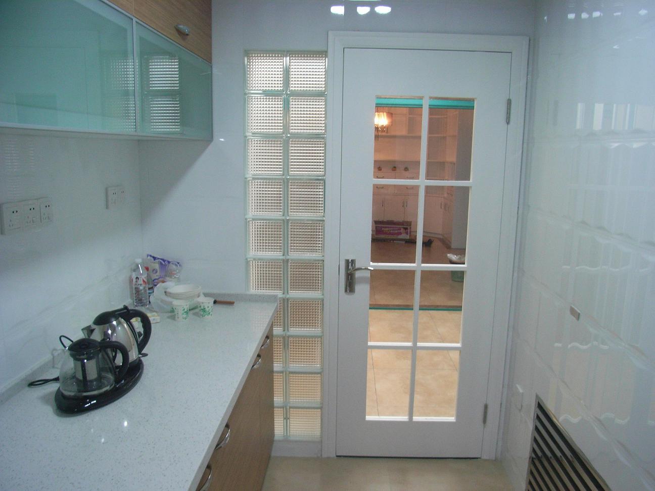 厨房玻璃砖隔断效果图