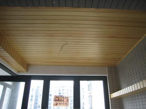 吊顶木板装修效果图