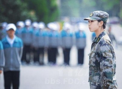中国最美女教官走红 网友称什么军训都不怕了