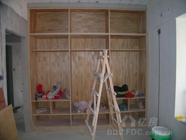 儿童房大衣柜