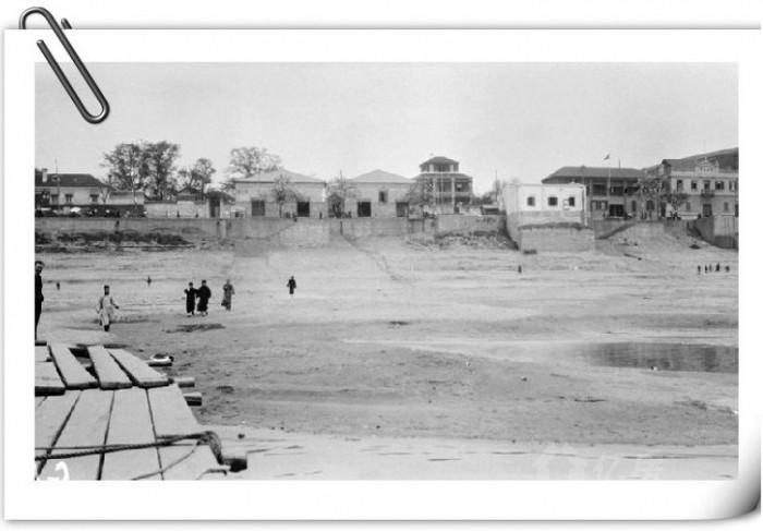 近年来,李瑜在美国各大图书馆,博物馆收集关于宜昌的老照片,再通过qq