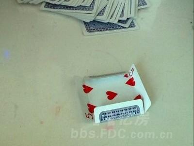 用扑克牌制作垃圾桶