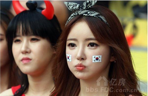 世界杯韩国美女球迷成风景线