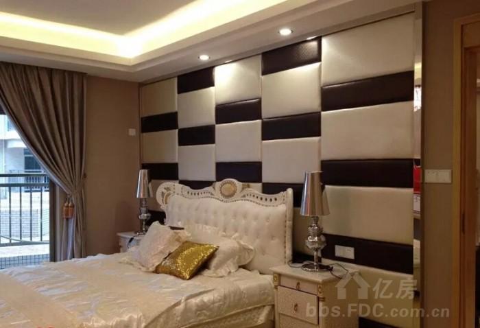 装修设计舒适卧室,床头软包背景墙