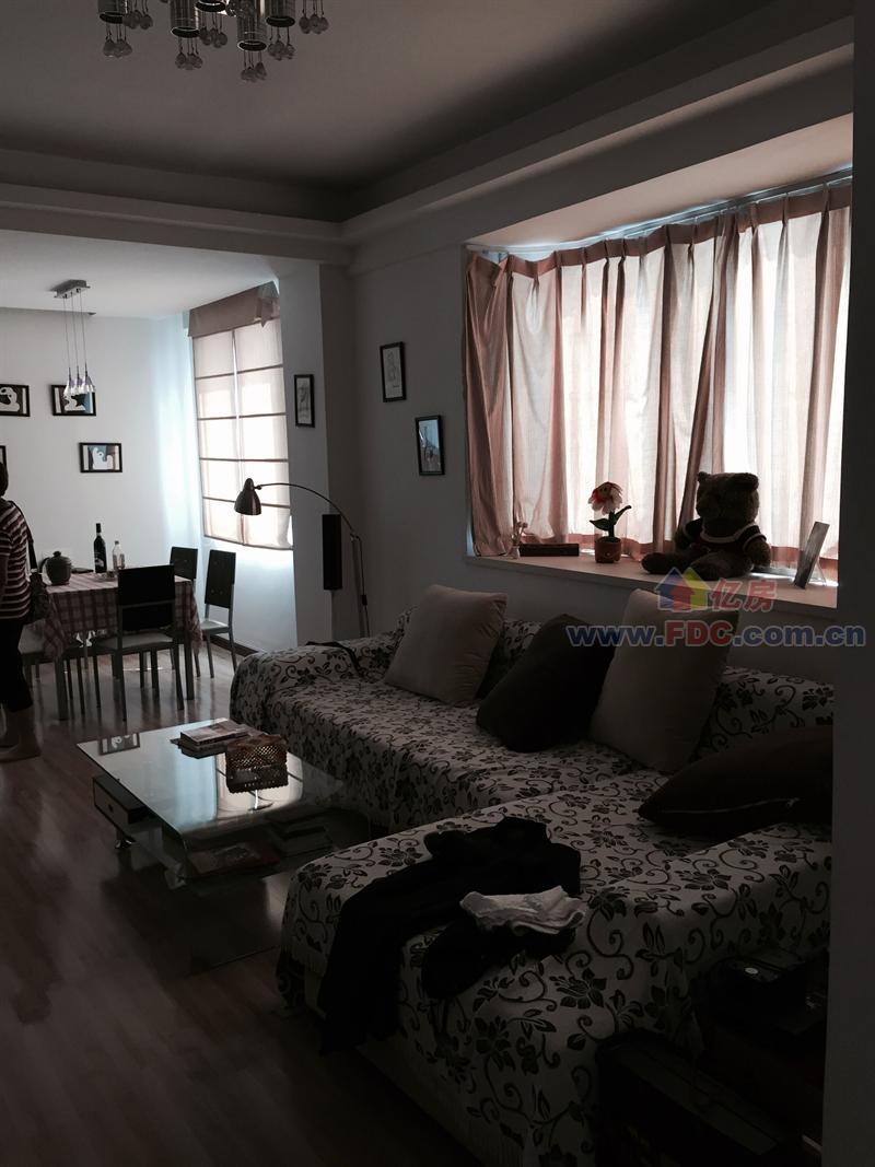 四季花城两室两厅精装