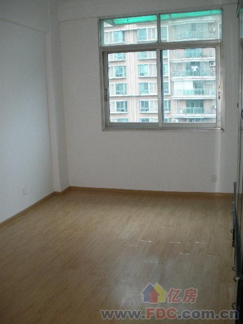 ...室2厅,腰路堤拦江路地铁口对面出售,武汉二手房出售 -华明达五琴...图片 37440 480x640