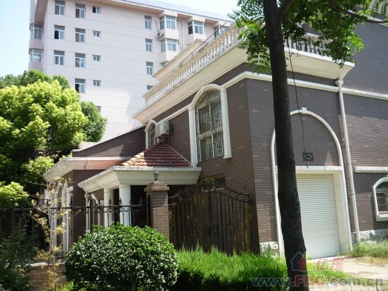 江宏别墅租房,6室2厅,井冈村027社区后出租