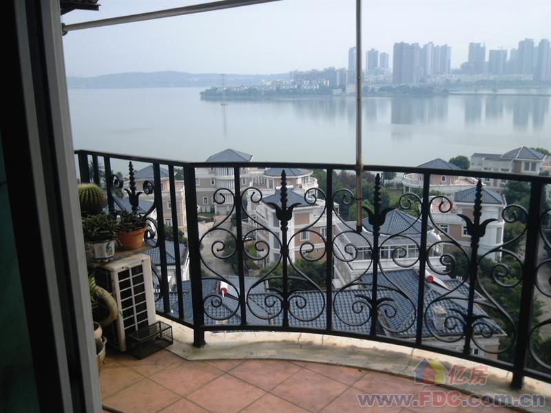 丽岛花园租房,3室2厅,珞狮路特1号出租,武汉租房