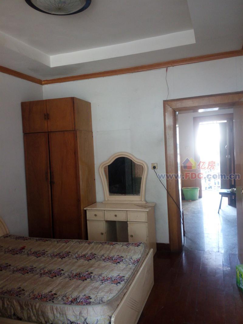 单间4层房屋装修风格