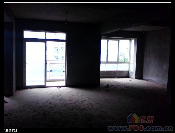 地铁旁红旗渠路锦绣人家超值电梯大三房110万