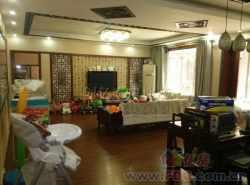 徐东中心唯一别墅  小区中心一楼带院子 中式古典豪华装修