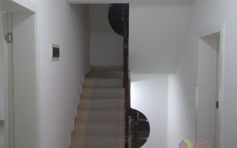 江汉区台银别墅 9室3厅3卫 独栋 310㎡出售,武汉江汉区汉口火车站常青路民航小区常宁里湖北电信对面二手房9室 - 亿房网