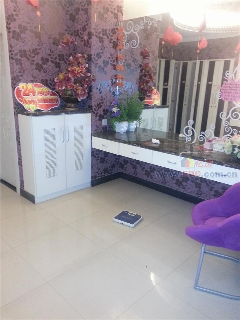 2平方米美容院小房间装修图