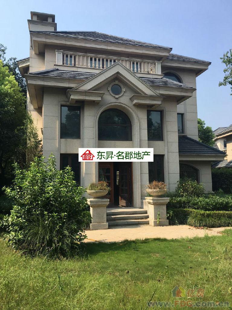 光谷武汉长岛 810万独栋别墅 满两年 湖景房 看房有钥匙