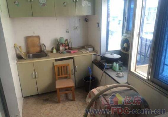 宝丰一路女子监狱宿舍精装修一室一厅,对口东方红小学
