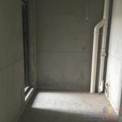 仁和路地铁口金地自在城次新房精致小三房,通透户型