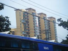 十里铺社区  紧邻23高中   黄金楼层 老证无税 坐等拆迁  投资首选