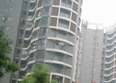 金色雅园一期电梯四房出售,大户型南北通透,地铁口旁
