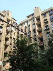 江南公寓  5号线地铁口 带40平米独家大院