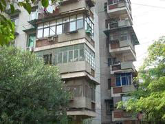 青山区 建二 钢花新村118小区 1室1厅1卫  46㎡  中装  个税  南北户型
