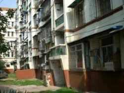 青山区 红钢城 钢花新村120小区 1室1厅1卫  46㎡