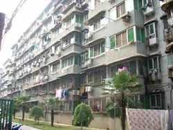 青山区 红钢城 绿苑小区 商网门面1室1厅1卫  31.37㎡