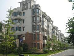 青山区 建二 江南春城 3室2厅2卫  138㎡  中装   个税   南北户型   双阳台