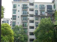 青山区 建二 青教花园 4室2厅2卫  151㎡  240万  中上装  无税   看房有钥匙