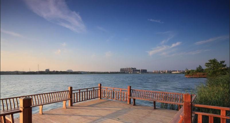 天琴湾124平大三房,武汉新洲区阳逻经济开发区兴盛街和环湖路十字路口往前1000米左右二手房3室 - 亿房网