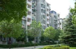 青山区园林路 钢都花园127街坊中间楼层 3室2厅无税出售