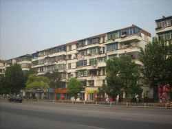 青山区 建二 钢花新村120街 中间楼层2室1厅中装无税出售