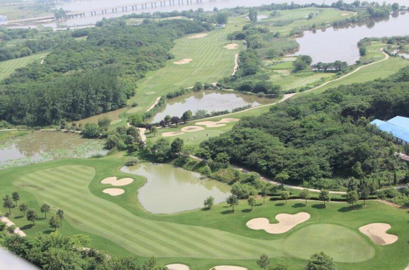 高尔夫球场别墅诚心出售
