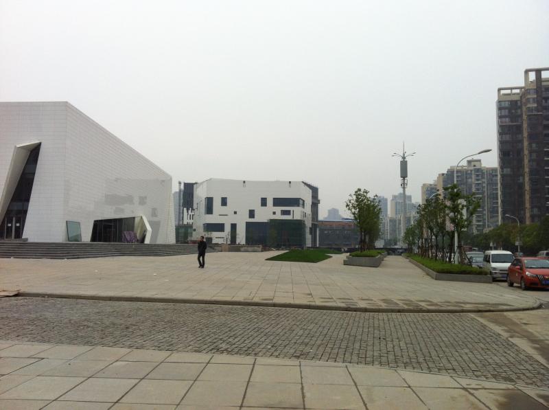 武汉创意天地门前广场