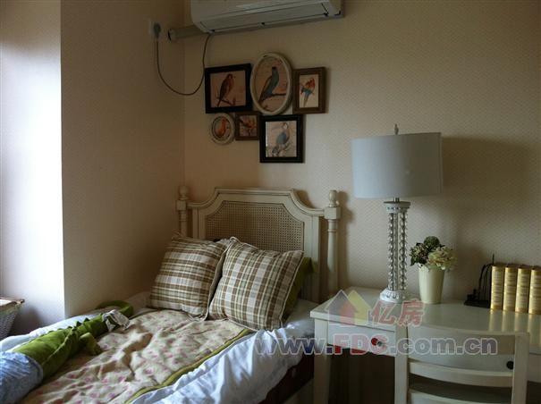 背景墙 房间 家居 起居室 设计 卧室 卧室装修 现代 装修 605_452